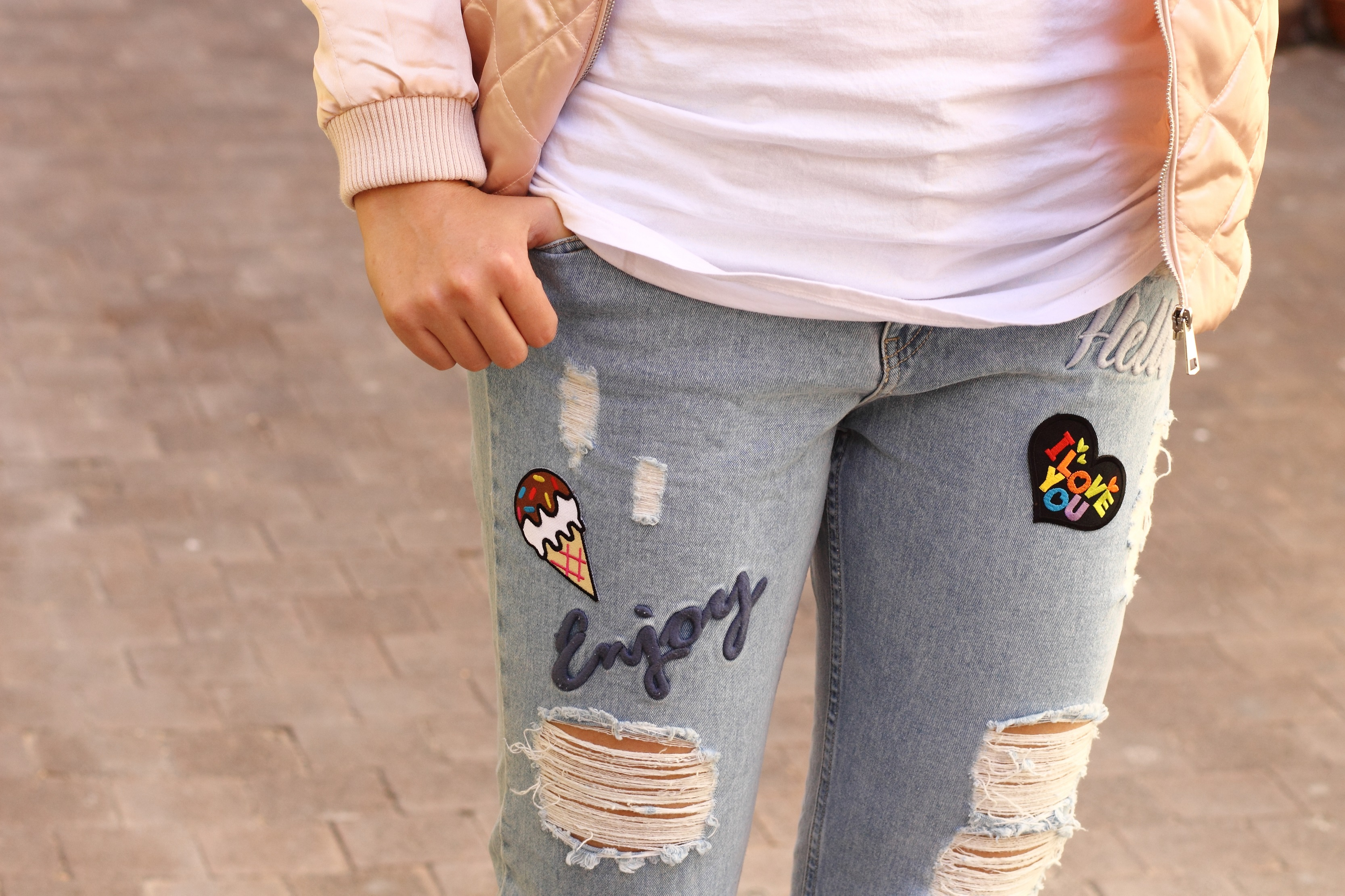 close up stradivarius jeans with patches enjoy hello
