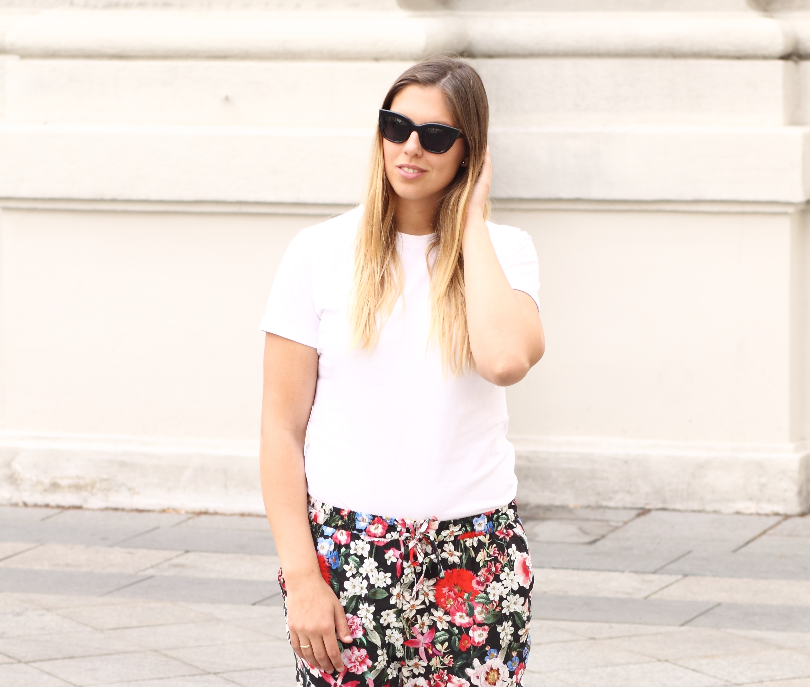 flowerprint pants zara all white shirt
