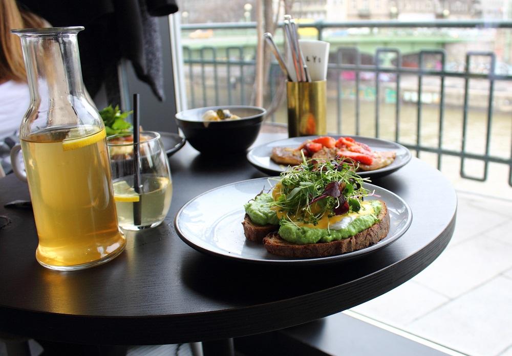 Klyo restaurant vienna style over function