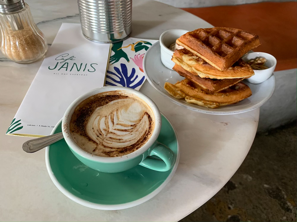 cafe janis Lisbon review